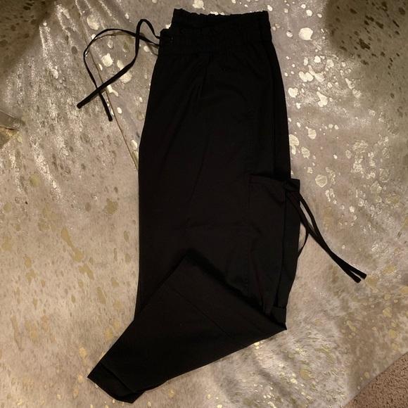 GAP Pants - Gap body fit black yoga pants